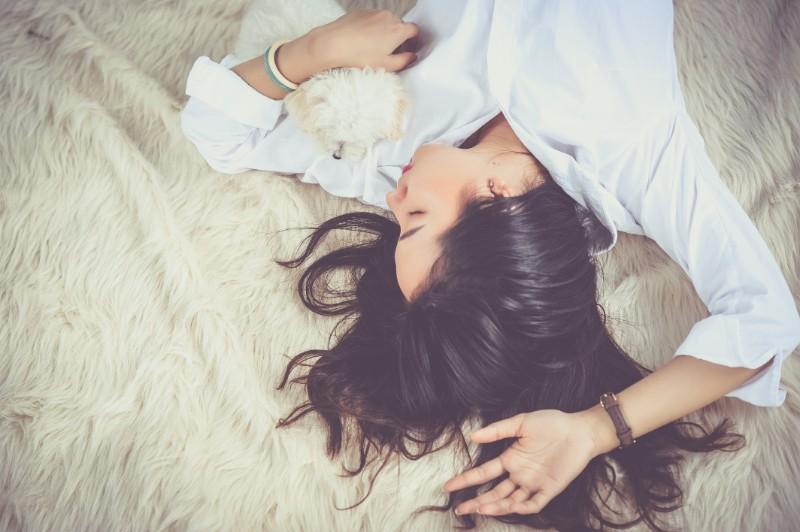 睡眠時間がバストアップへの鍵!睡眠とバストの成長の関係
